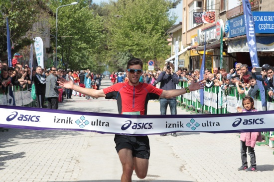 42K'dan sonra İznik 10K yarışını da kazanan Robbie Britton foto: iznikultra