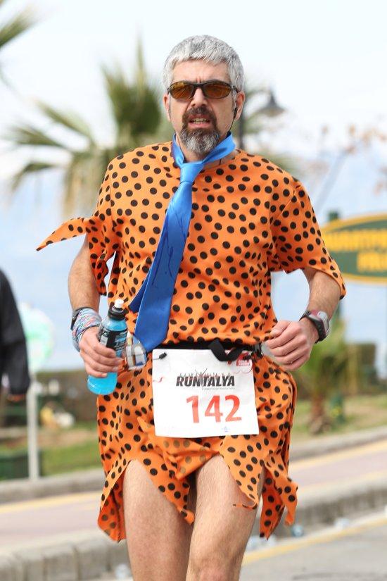 Fred Çakmaktaş enerji içeceği almış 12-15.kmler arasında, F:Sportonline