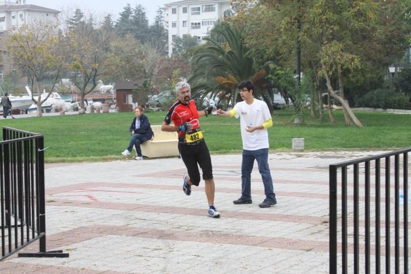 Fenerbahçe sahlde dönüş noktasında yürüyüş yoluna girdik.